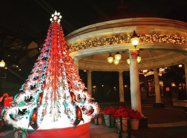 あちこちに色んなクリスマスツリー