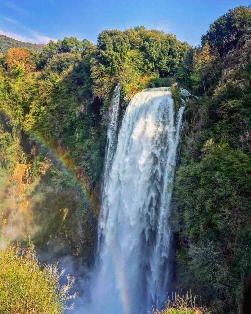 マルモレの滝の見所1:La Specola And The Rainbow