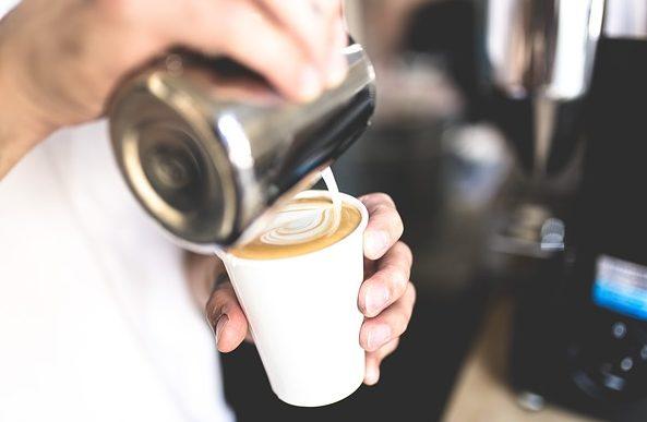 英会話:海外のカフェで英語でコーヒーを持ち帰りと注文する