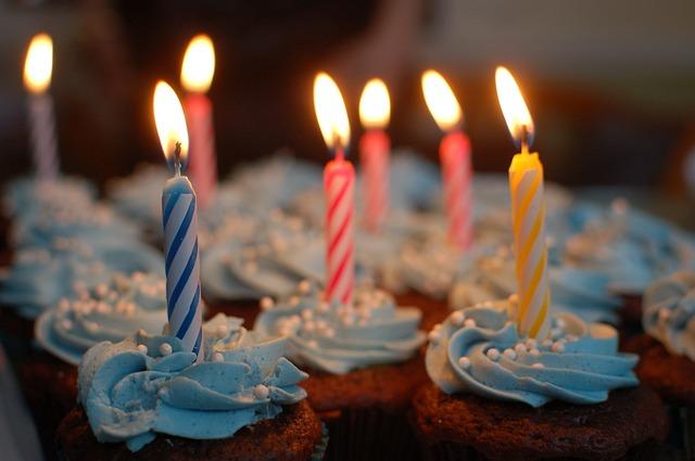 英会話:誕生日に使える英語表現・ろうそくの数