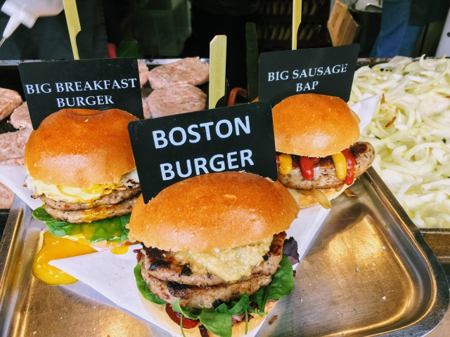 ロンドン バラ・マーケットのハンバーガー