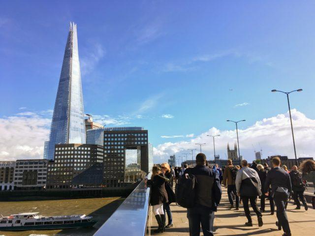 ロンドン橋から見るザ・シャード