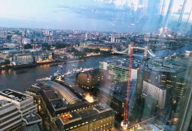 ザ・シャードから見たロンドン・タワー