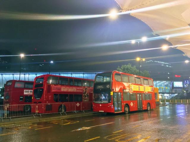ロンドンで最後のお出かけをした夜も雨