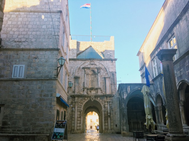 コルチュラ旧市街城壁の門