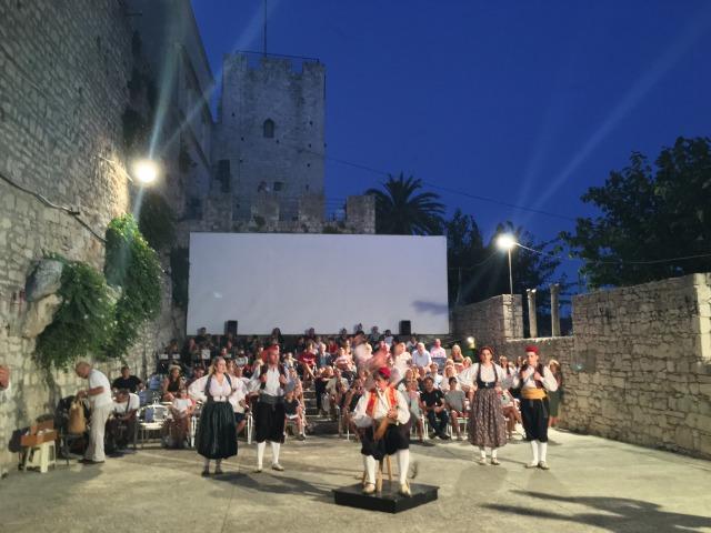コルチュラ島伝統舞踊
