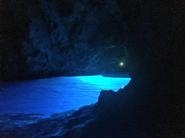 クロアチア青の洞窟