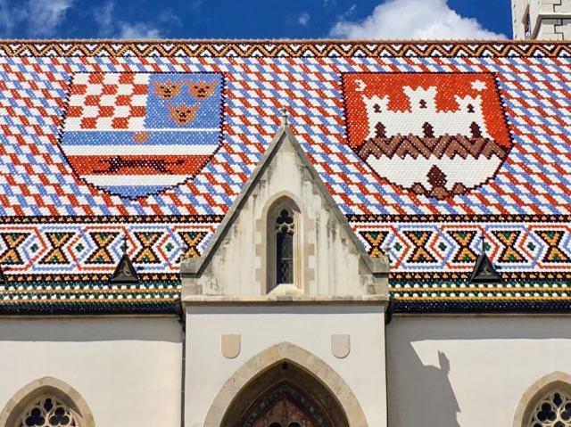聖マルコ教会のタイルの屋根