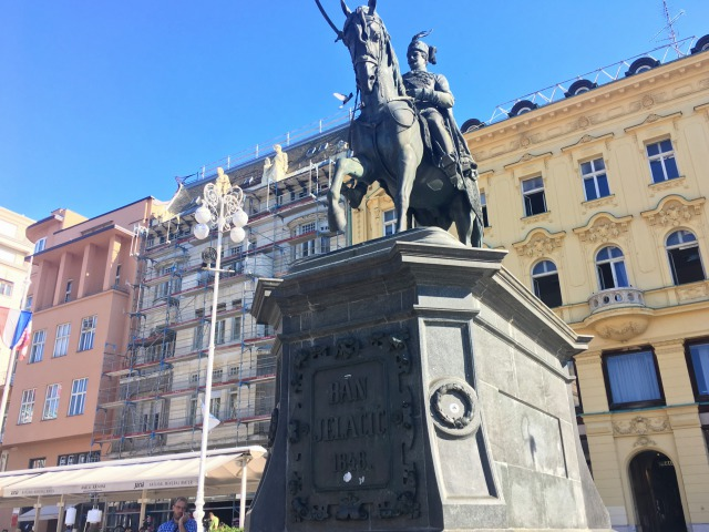 ザグレブイェラチェッチ広場