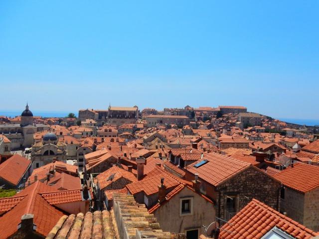ドブロブニク城塞から見える旧市街の景色
