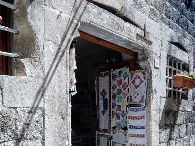 ドブロブニク刺繍土産店バチャン