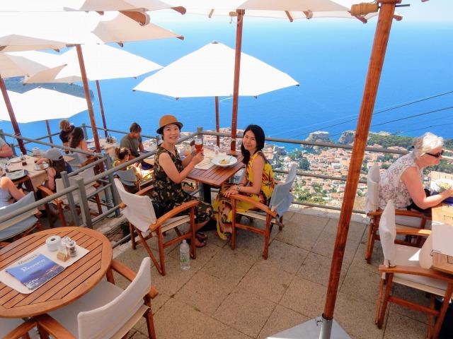 スルジ山山頂にある絶景カフェ