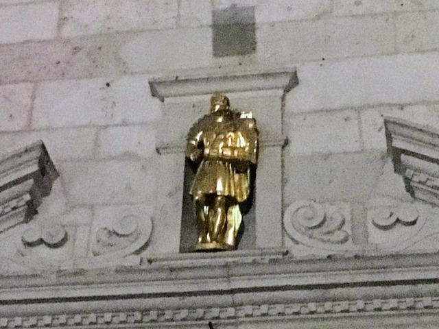 コトルの街を抱えた守護聖人トリンプ