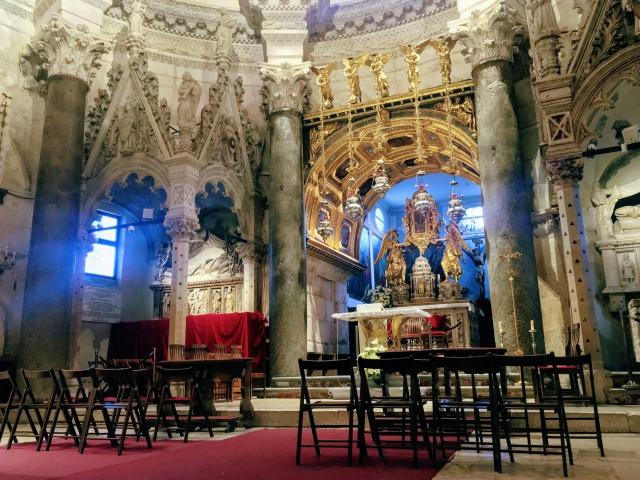 聖ドムニウス大聖堂内部
