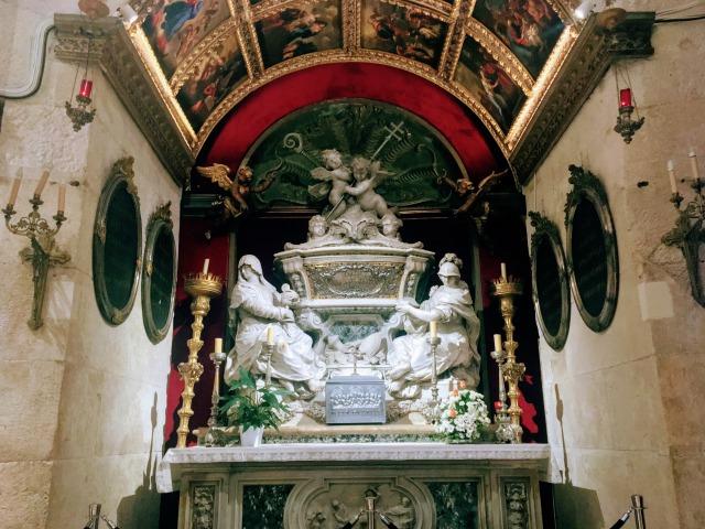 聖ドムニウスの祭壇(新)