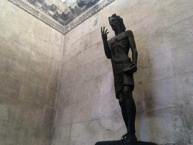 聖人ヨハネの銅像(洗礼室・ジュピター神殿内)
