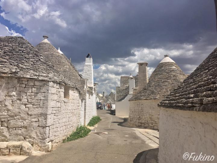 観光地化されていない、今でも一般の人が暮らすアイア・ピッコラ地区