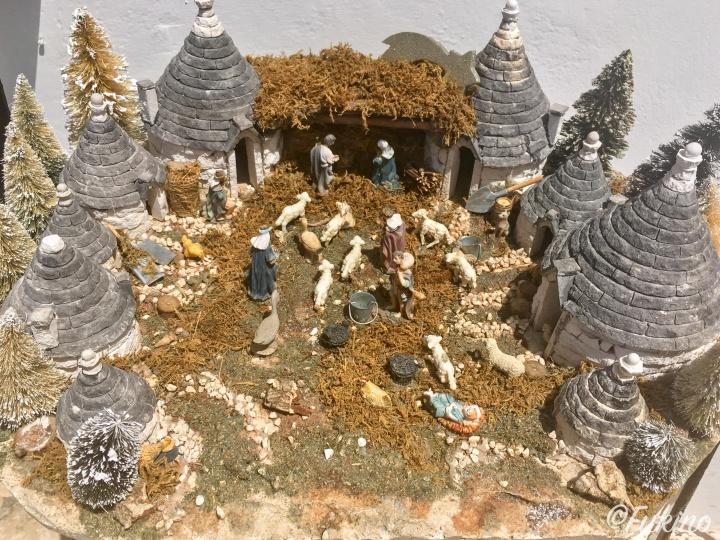 昔のアルベロベッロの人々の暮らしを再現したジオラマ