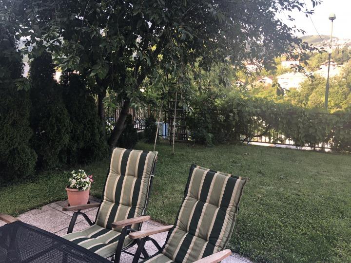 Airbnbトラブル解消記事:庭付きの代替部屋