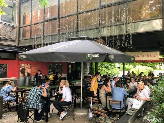 ローカルに人気のカフェ「チトー」