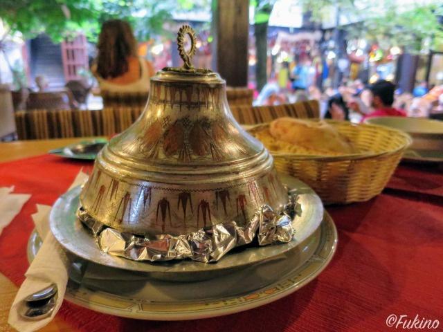 タジン鍋のようなお皿が伝統スタイル@Morića Han