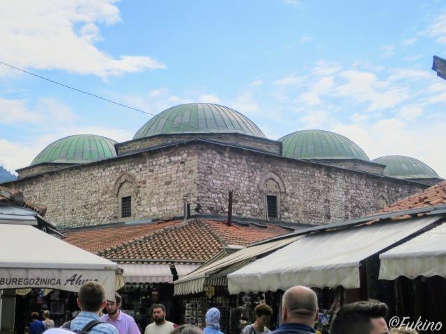 オスマン帝国時代に建てられ、絹取引所として重要な建物だったブルサ・ベジスタン(Bezistan de Brusa)