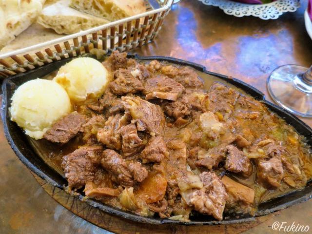 仔牛の肉煮込み@Nanina Kuhinjaレストラン