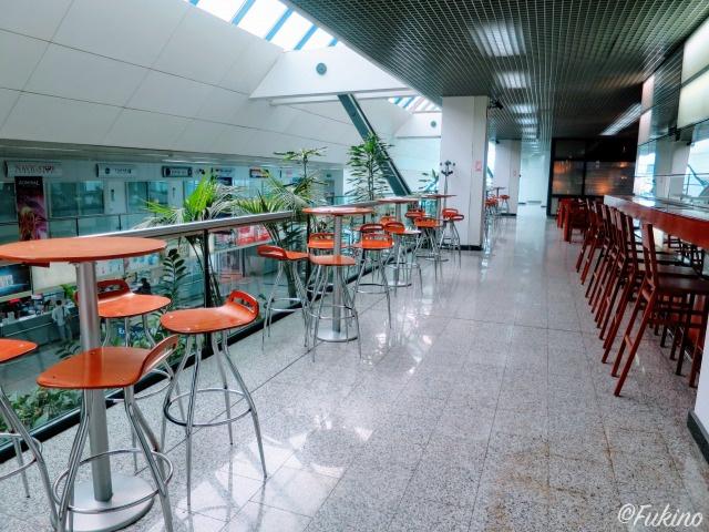 サラエボ国際空港2Fのカフェスペース