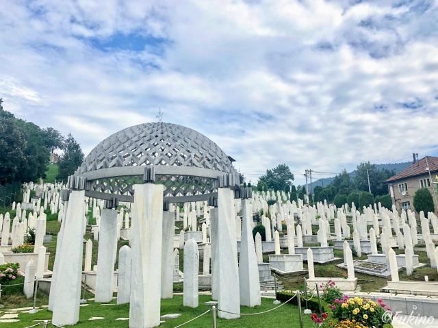 ボスニア紛争犠牲者の墓地