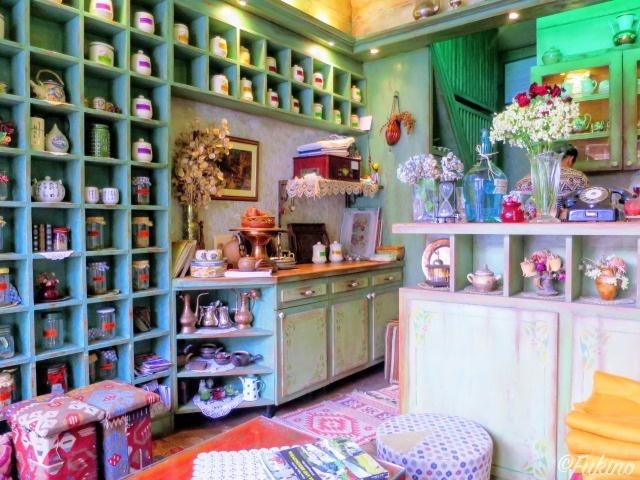 Teahouse Džirloの店内