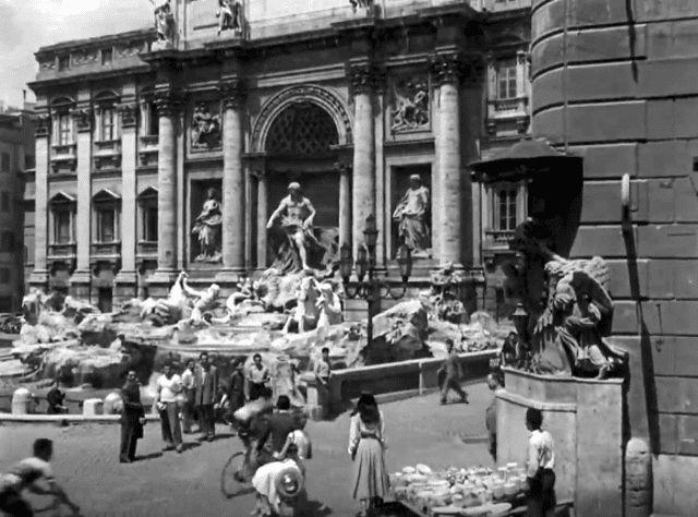 ローマの休日ロケ地巡り:トレビの泉
