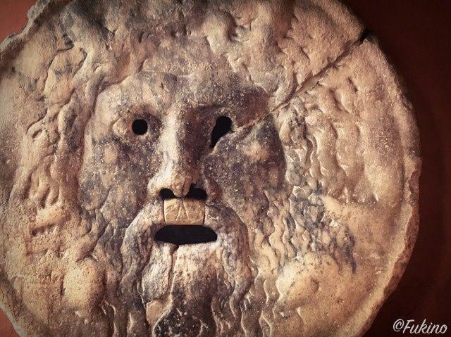ローマの休日ロケ地巡り:真実の口