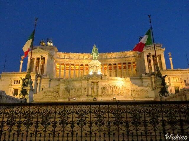 ローマの休日ロケ地巡り:ヴィットーリオ・エマヌエル2世記念堂