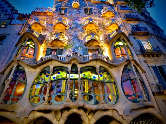 バルセロナの人気観光地、カーサ・バトリョ