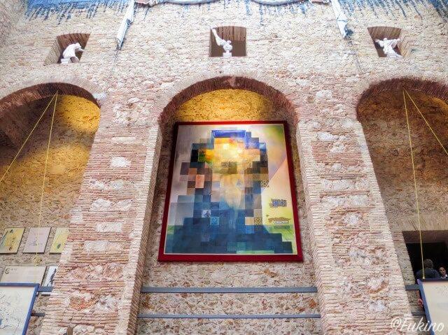 リンカーンと地中海を眺めるガーラが描かれたモザイク画