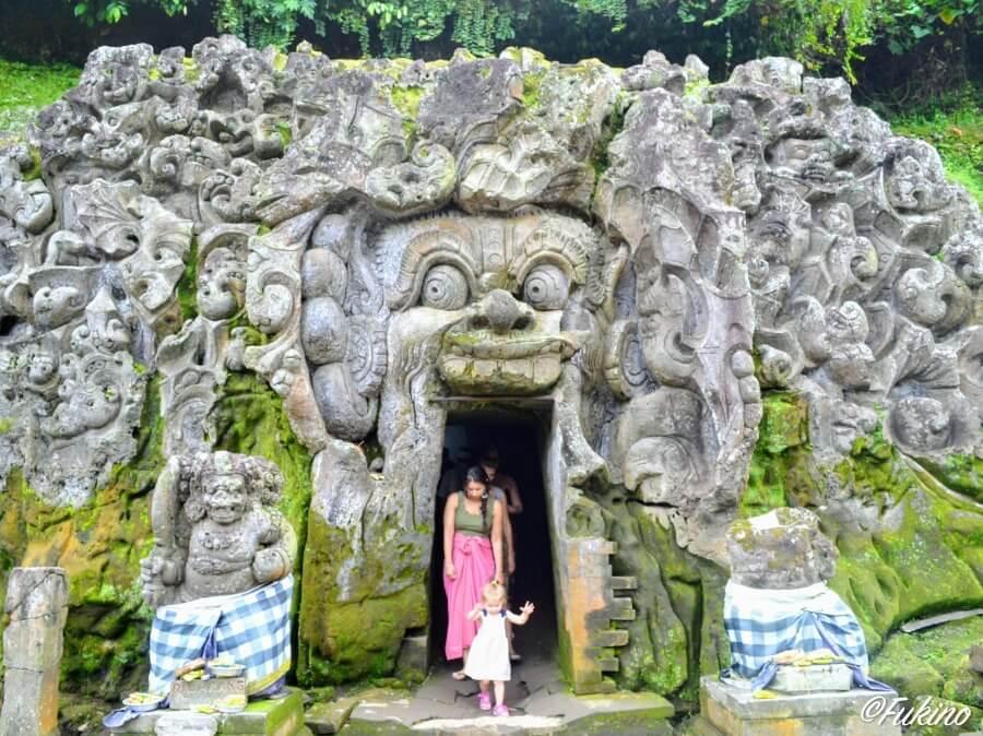 ウブド ゴア・ガジャ寺院